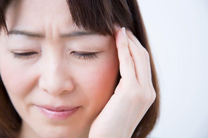 が ゲップ 痛い 耳 胃痛やげっぷがあり「背中の痛み」もある場合の原因とは!?